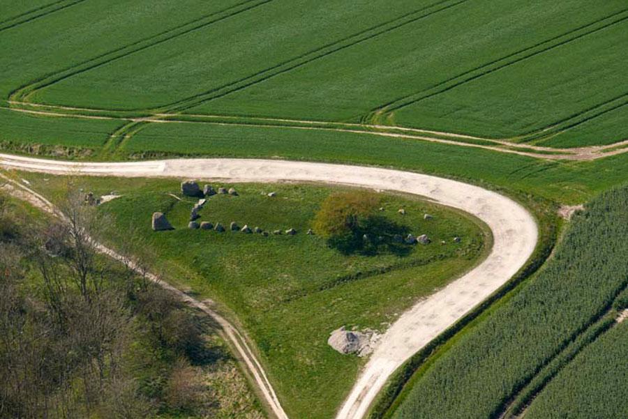 Großsteingrab Nobbin aus der Luft (Foto: F. Ruchhöft)