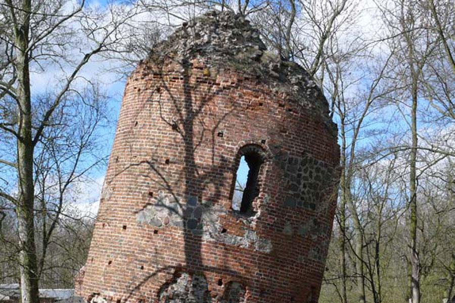 Burgruine Galenbeck (Foto: F. Ruchhöft)