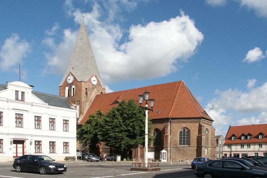 Kirche Neukalen (Foto: F. Ruchhöft)